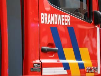 Brandweer urenlang in de weer om hydraulische olie op te ruimen