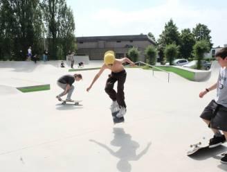 Groepje hangjongeren veroorzaakt overlast aan skatepark: stad stuurt voortaan dagelijks jeugdwerker ter plaatse