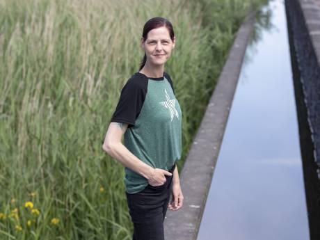 Stephanie (35) uit Enschede zoekt haar biologische vader, maar de tijd dringt, want ze is ongeneeslijk ziek: 'Anders sterf ik incompleet...'