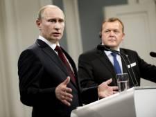"""Poutine: """"Faut-il bombarder tous les régimes tordus?"""""""