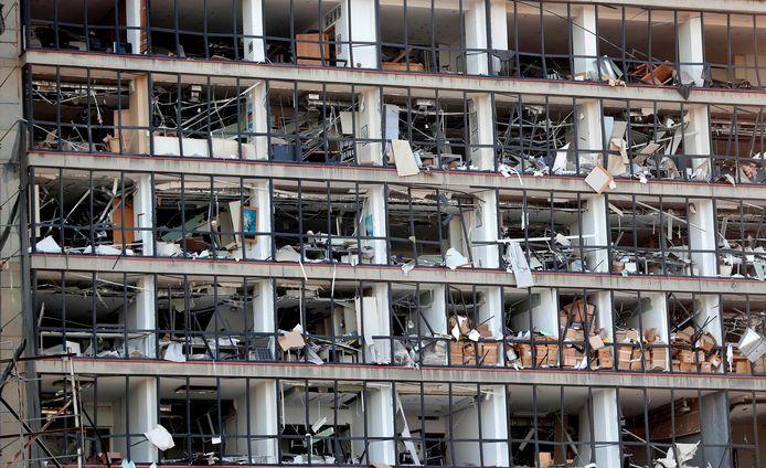 Een verwoest gebouw in het centrum van Beiroet.