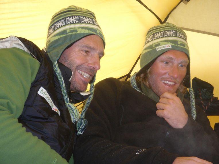 Dixie Dansercoer en Sam Deltour (r.), recordbrekers op de Zuidpool. Beeld Polar Experience / Polar Circles