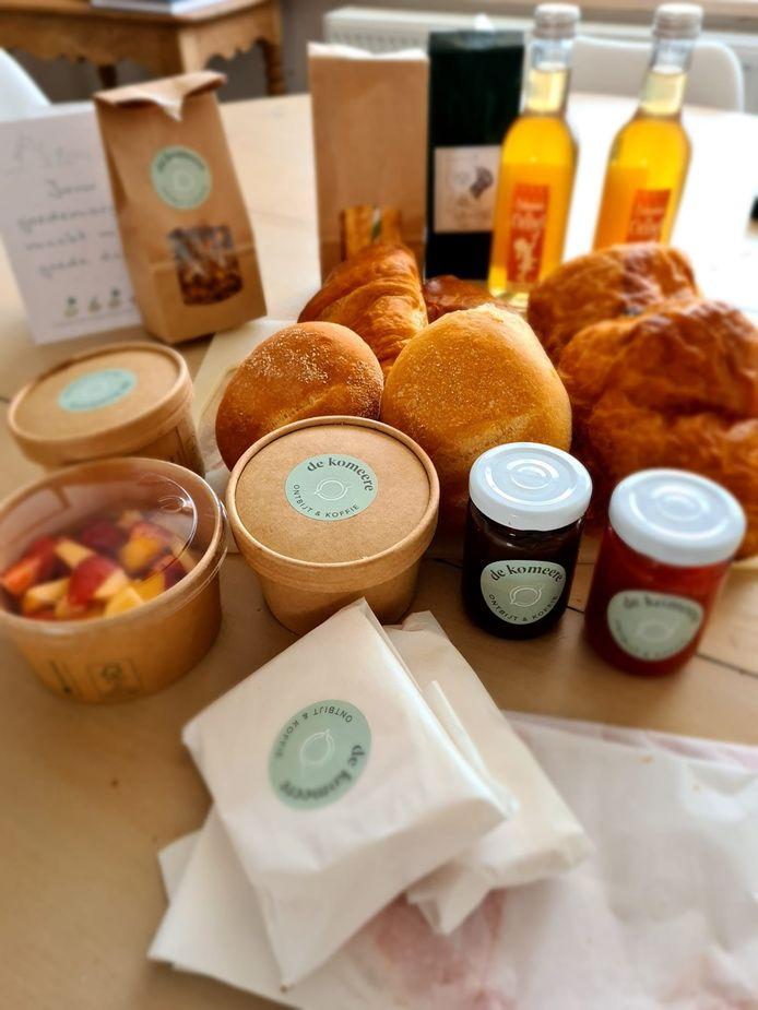 De Komeere, van Liesbeth Lietaer en Brecht Vandenberghe uit Haringe, verzorgt ontbijten voor particulieren en groepen en is een project. Alle ontbijten worden samengesteld met streekeigen producten en zelfgemaakte lekkernijen.