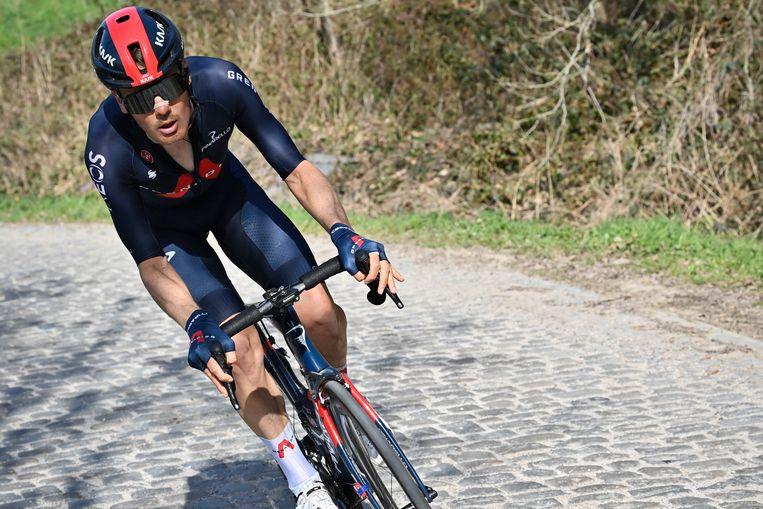 Dylan van Baarle in de  'Dwars Door Vlaanderen' race.  Beeld Belga