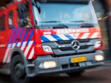Brandweer rukt uit voor brand in berg afval in Dordrecht