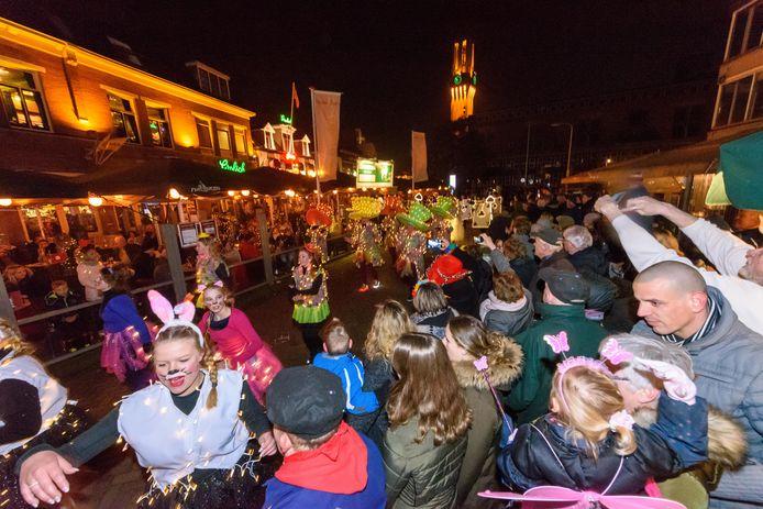 De Twentse Lichtparade trekt altijd veel publiek.