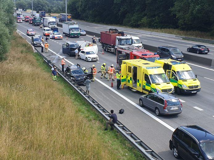 Vorig jaar viel er helaas nog een verkeersdode te betreuren bij een ongeval in de file op de afrit.