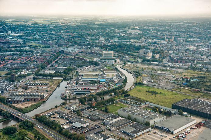 Het gebied CrossMark, voorheen Via Breda, gezien vanuit het noorden. In het midden is het gebouw van de rechtbank te zien.