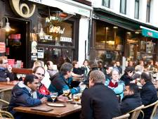 """Antwerpen werkt aan alternatief terrasplan voor horeca: """"Eventueel aantal straten afsluiten voor extra terrasruimte"""""""
