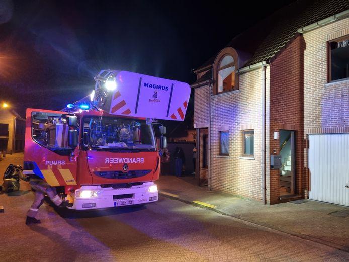 De keukenbrand werd snel opgemerkt. Dankzij het snelle optreden van de brandweer bleef de schade beperkt.