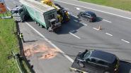 Wagen en vrachtwagen botsen op E19