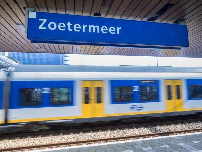 Deze naam blijft waarschijnlijk nog lang op perrons bij de Mandelabrug te lezen: Station Zoetermeer.
