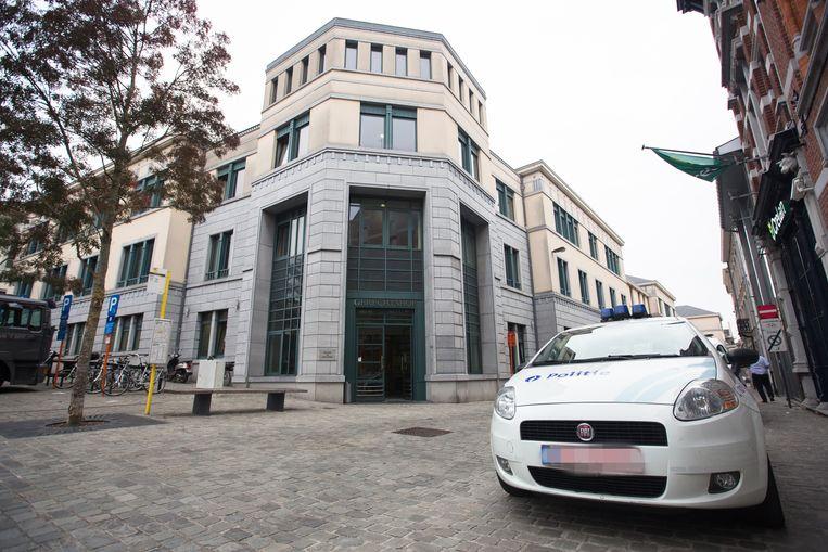 De strafrechtbank in Tongeren, waar de drie jonge beklaagden zich moeten verantwoorden voor de schietpartij op 11 december 2017.