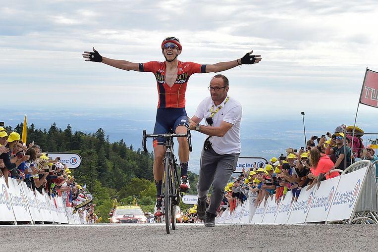 Dylan Teuns van Bahrein-Merida zegeviert tijdens de zesde etappe van de afgelopen Tour de France op de Planche de Belles Filles in de Vogezen. Komend jaar zal de schans in de Vogezen mogelijk een beslissende rol krijgen als scherprechter tijdens de enige tijdrit van de ronde.  Beeld BELGA