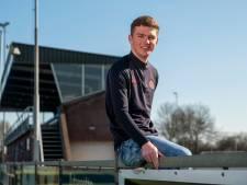 Bas Bombach start eigen Doornenburgse voetbalschool: 'Weg achter die Playstation'