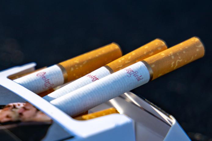 Steeds minder mensen in Nederland gaan roken en steeds meer mensen stoppen.