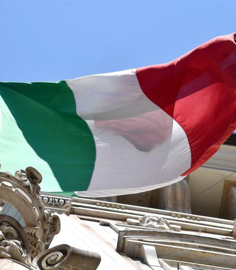 L'Italie assouplit ses mesures et réserve le vaccin d'AstraZeneca aux plus de 60 ans
