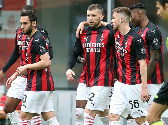 AC Milan wint nipt van Genoa.