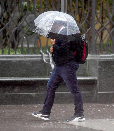 Pinksterweekend belooft nat, koud en winderig te worden, daarna droger weer verwacht