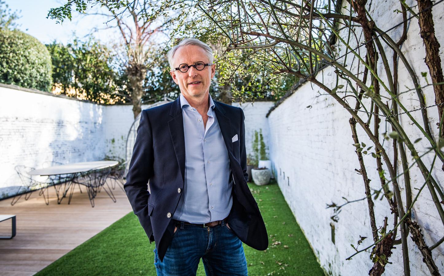 """Thierry Geerts, directeur van Google België en Luxemburg: """"We zullen in de toekomst nog steeds naar de supermarkt gaan om ons te laten inspireren voor wat we vanavond willen eten, maar dezelfde flessen water die we iedere week opnieuw nodig hebben, laten we wel gewoon aan huis leveren. """""""