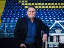 'Alle ballen op Lokhoff, niet alleen vanwege zijn ervaring, maar ook omdat hij boven de partijen staat'