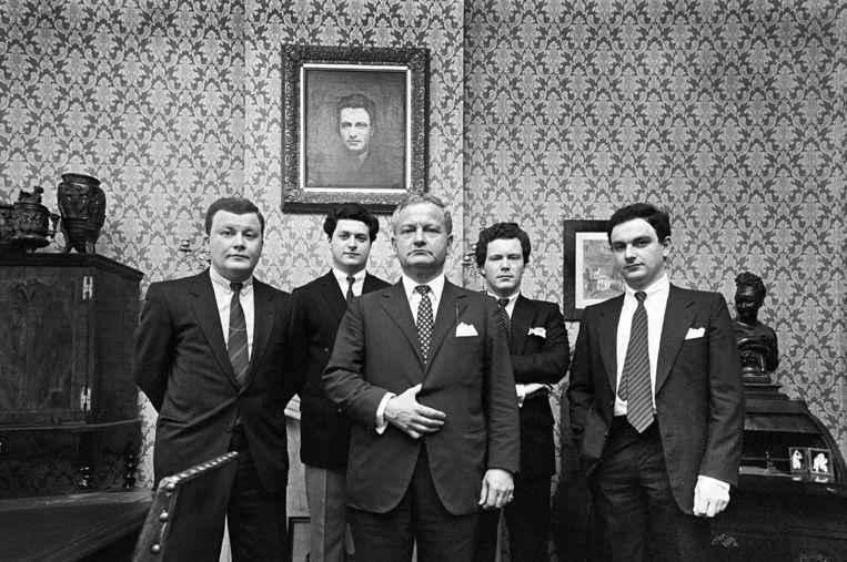 De familie Moszkowicz in het pand in Maastricht, 1982. Vlnr David, Bram, Max, Robert en Max jr. Beeld Leo van Velzen/Hollandse Hoogte