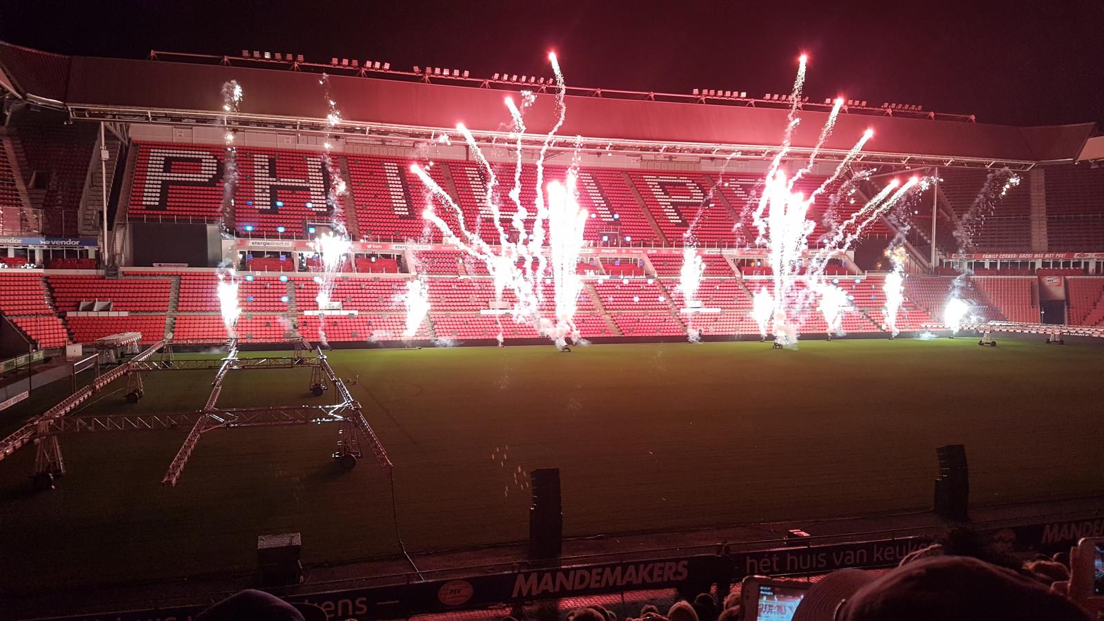 Philips Stadion tribune vuurwerk
