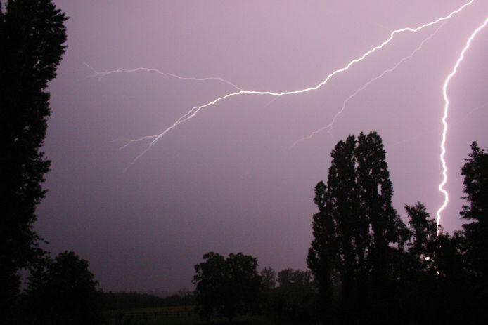 Des orages, suivis de très fortes pluies, ont éclaté lundi soir dans la région de Mouscron.