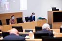 Staatssecretaris voor Gelijke Kansen Sarah Schlitz (Ecolo) en premier Alexander De Croo (Open Vld).