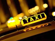 Taxichauffeuse durft niet meer te werken na urenlange bedreiging met een takkenbos
