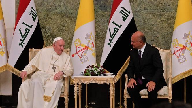 Paus in pantserwagen brengt boodschap van hoop in Irak