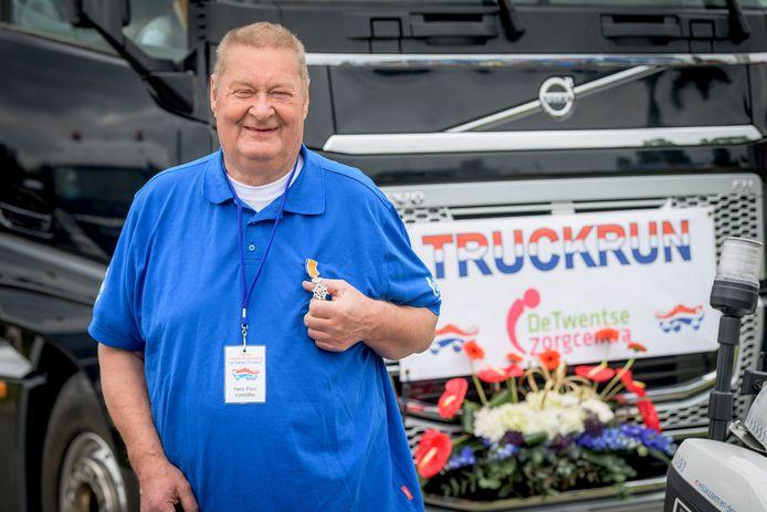 Voor voorzitter Hero Pool van Tukker Truckers was het zijn laatste Truckrun. Hij kreeg een lintje voor zijn verdiensten