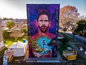 Gigantisch graffitiportret van Messi onthuld in zijn geboortestad Rosario