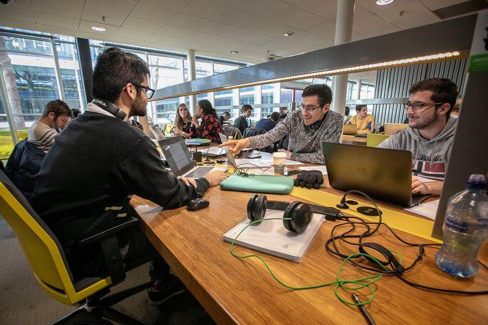 Een Franse, Mexicaanse en Griekse student op de TU/e.
