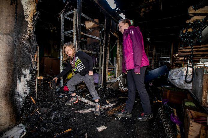 De verwoestende vlammen deden vrijdag 23 april in alle vroegte hun vernietigende werk.