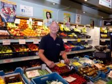 Laatste groenteboer van Maassluis gaat met pensioen, maar was nog nooit langer dan een week vrij