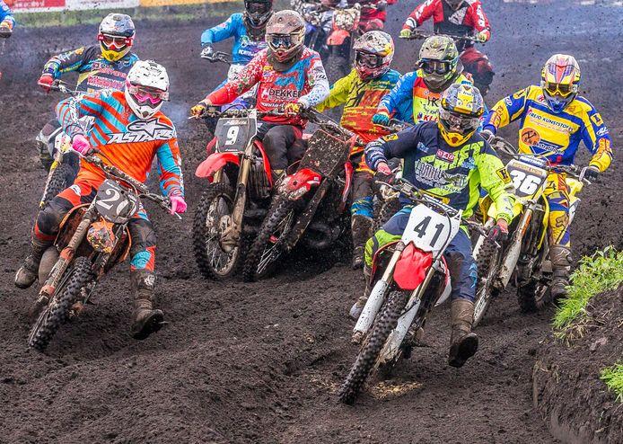 Motorcrossers komen in Staphorst nog een keer in actie op de tijdelijke croosbaan.