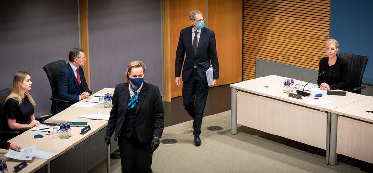 J.J.M. Uijlenbroek, directeur-generaal Belastingdienst 2017-2020, wordt gehoord door de parlementaire enquêtecommissie Kinderopvangtoeslag.  Beeld FREEK VAN DEN BERGH/ de Volkskrant