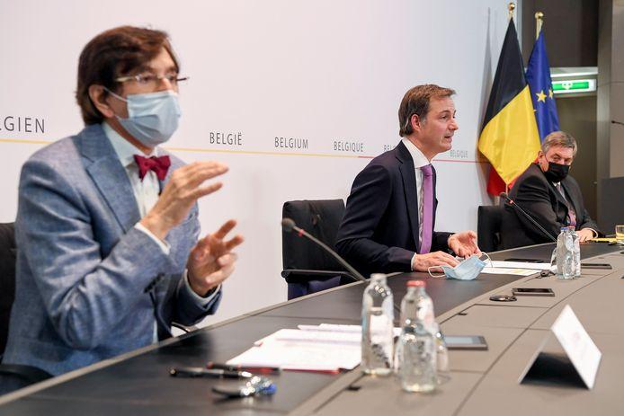 Elio Di Rupo (PS), premier Alexander De Croo (Open Vld) en Jan Jambon (N-VA)