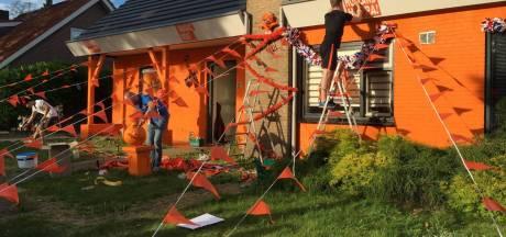 Hup Holland! Diessen heeft er zin in: huis aan de Echternachstraat compleet oranje geverfd