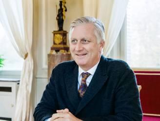 """Koning Filip beleefde topjaar (dankzij coronacrisis): """"Onze vorst is eindelijk geen stijve hark zonder zelfvertrouwen meer"""""""