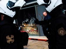 Le siège du parti néonazi grec Aube Dorée attaqué