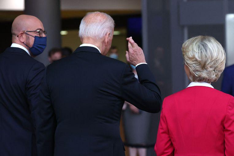 EU-president Charles Michel, de Amerikaanse president Joe Biden en voorzitter van de Europese Commissie Ursula von der Leyen. Beeld AFP