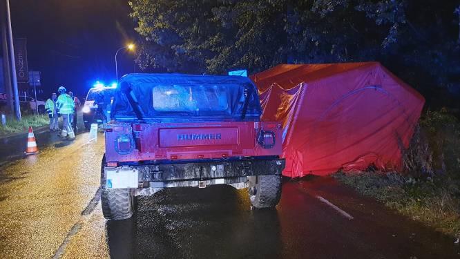 Fietsster (17) levensgevaarlijk gewond na ongeval met Hummer