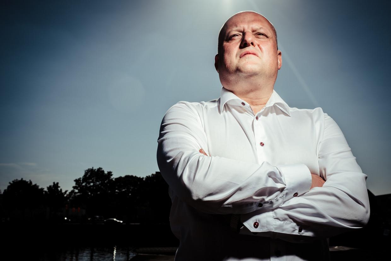 15 jaar na de gokchinees: corruptiebestrijder Karl Dhont wordt voetbalmakelaar Beeld Wouter Van Vaerenbergh