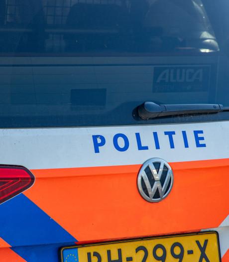 Beschonken man ramt politieauto tijdens achtervolging door Oldenzaal