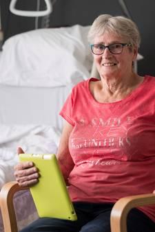 'Pionier vrouwenvoetbal' (75) eindigt in ziekenhuis bij opname