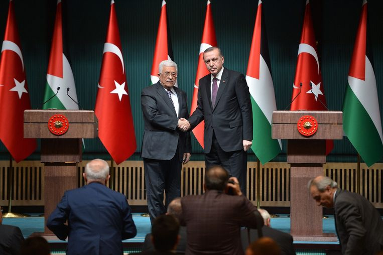 Palestijnse president Mahmoud Abbas met Erdogan Beeld epa