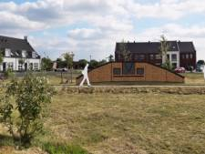 Aalburg discussieert verder over monument