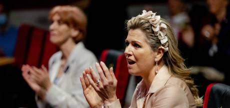Koningin Máxima uitbundig tijdens optreden OG3NE: 'Dit vertel ik vanavond tegen mijn dochters'